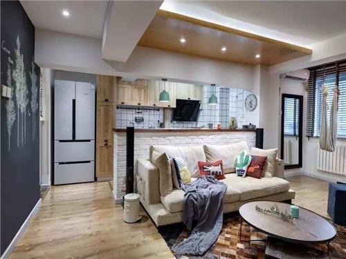 農村自建房客廳大,沙發不靠墻行不行,放在客廳中間,可是聽說沙發不靠