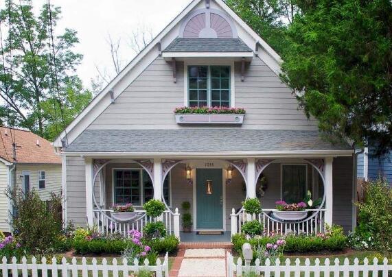 其实说到农村房子的装修,我们最先想到的就是室内了,但是我们的大门口
