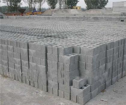 现在很多农村朋友建房子用起了水泥砖,钢结构,空心砖等.