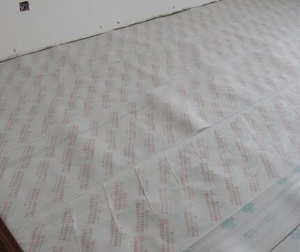 农村自建房卧室木地板防潮垫材质是什么,使用方法是什么?